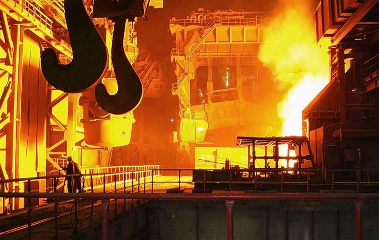 Спад у металургійній промисловості України триває